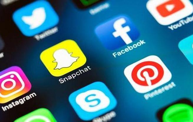 """网站SEO优化VS社交媒体营销""""引爆""""独立站,你该做哪个?"""